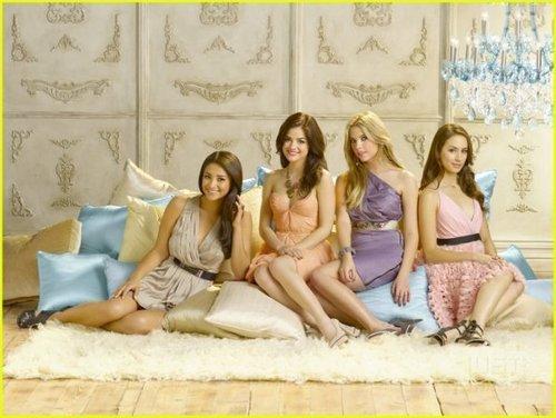 Pretty Little Liars - Season 2 - New Cast Promotional fotografias