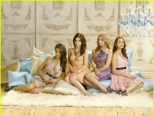 Pretty Little Liars - Season 2 - New Cast Promotional Photos