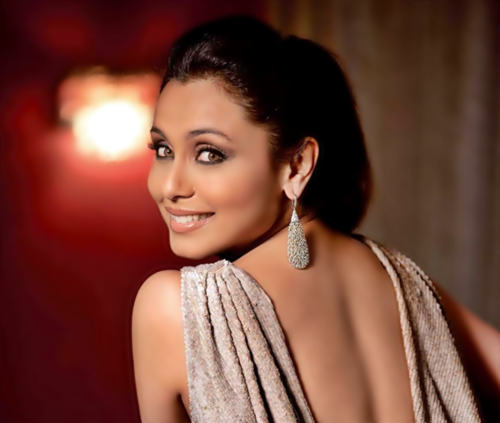 Rani Mukherjee kertas dinding called Rani on Better Homes gardens magazine cover