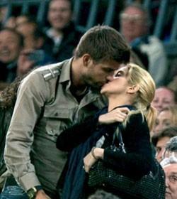 best beso Shakira Piqué !!