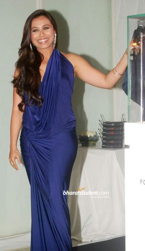 Rani Mukherjee wallpaper probably containing a dinner dress titled rani-mukherjee-launches-forevermark-jewellery-brand