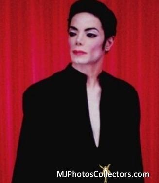 1999 Arno Bani, Red Curtain
