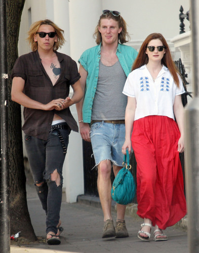 2011 - Out and About in West London (Apr 25)