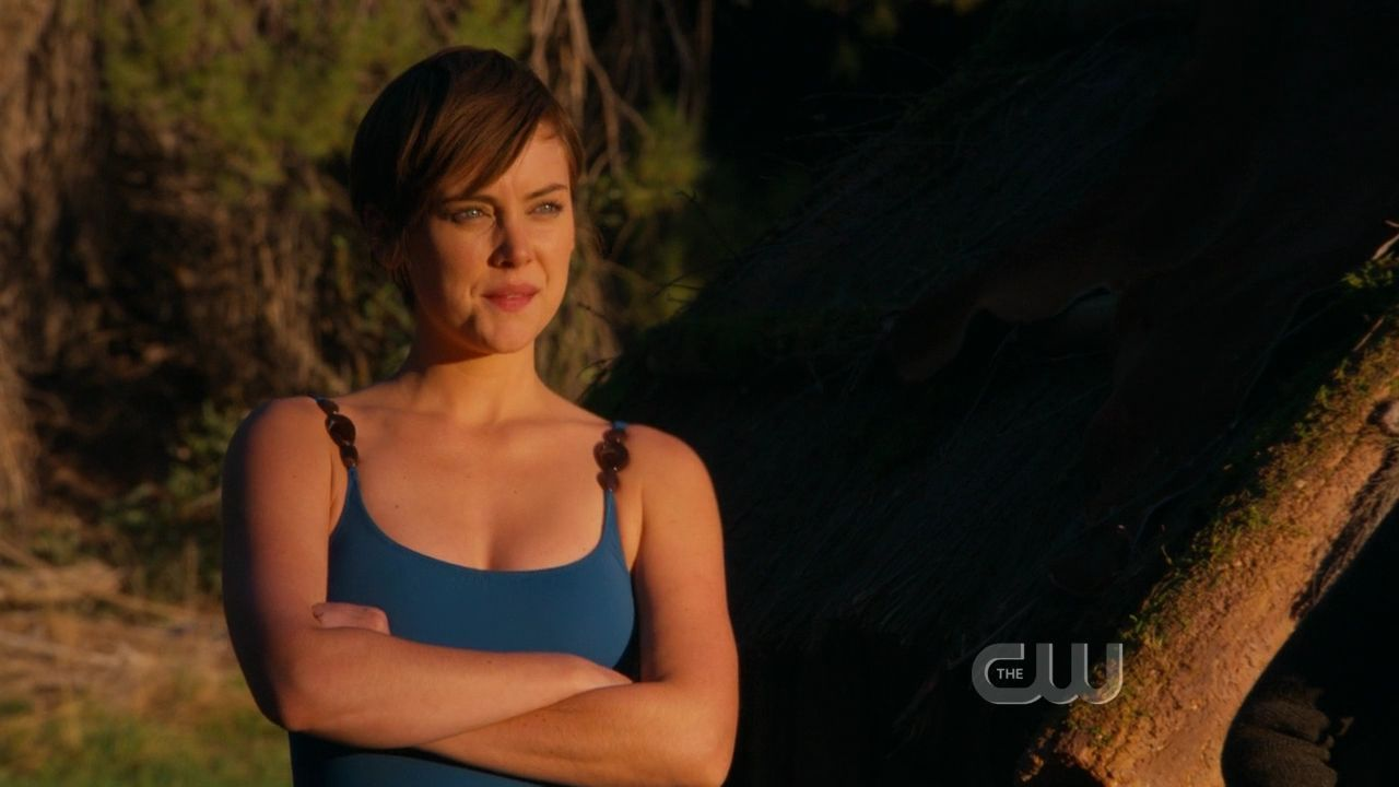 90210 3x13 Its Getting Hot In Here Jessica Stroup