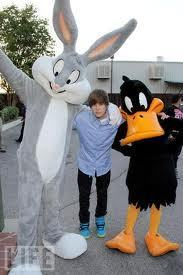 Bugs & Daffy with Justin Bieber !