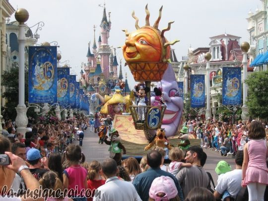 Disneyland Paris Images Disneyland Parade Wallpaper And