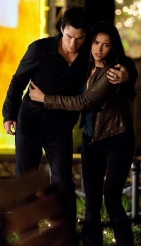 Elena&Damon 2x22