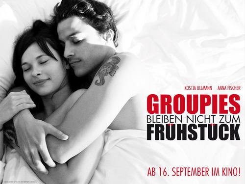 Groupies Bleiben Nicht Zum Frühstück - karatasi la kupamba ukuta