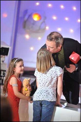 """Hugh Laurie-talk show """"vivement dimanche-22 Apr 2011 ..."""
