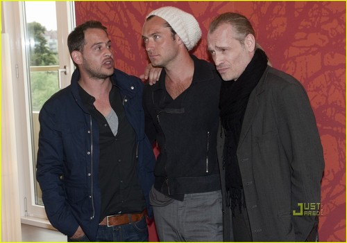 Jude Law: '360' Photo Call in Vienna!
