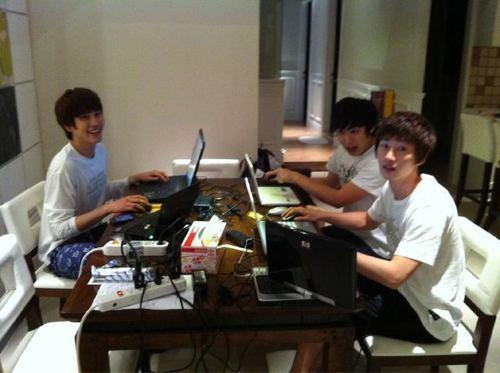 Kyuhyun twitter update - Gamegyu's PC Room