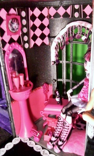 Monster High wallpaper possibly with a sign called Monster High Custom Made Doll House