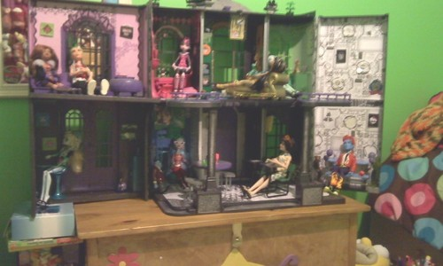 My custom MH Doll House