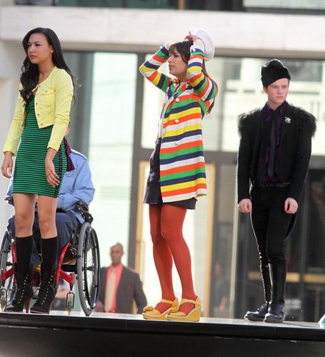 On set of Glee, at the ইংল্যাণ্ডের লিংকনে তৈরি একধরনের ঝলমলে সবুজ রঙের কাপড় Center Foutain | April 27, 2011.