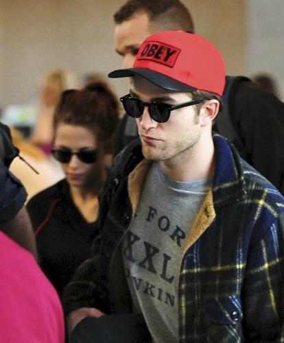Robert leaving lax