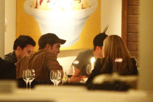 Robert pattinson in berlin ডিনার
