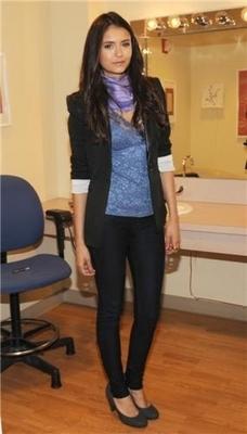 Stills of Nina on the PIX Morning Show in NY [27/04/11]!