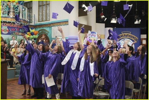 The Suite Life Graduation On Deck -- FIRST PICS!