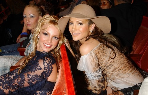 britney spears & jennifer lopez 2001
