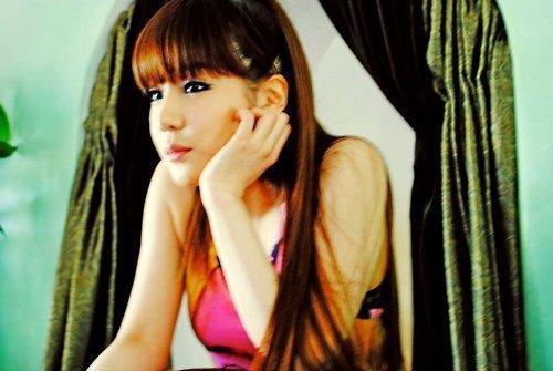http://images4.fanpop.com/image/photos/21500000/-2ne1-21592962-500-335.jpg