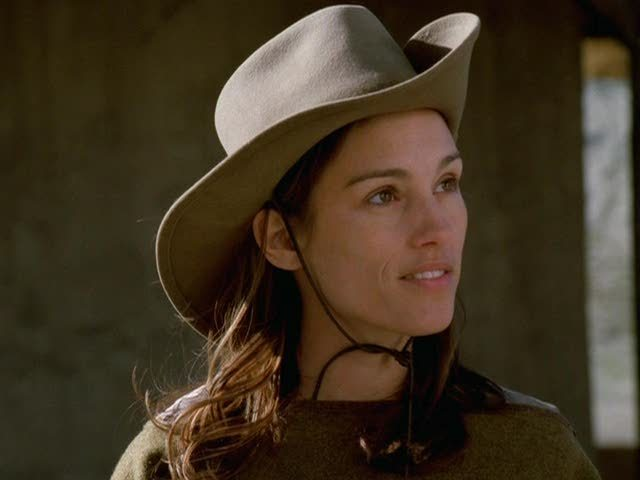 Amy Jo Johnson Elizabeth Kennedy