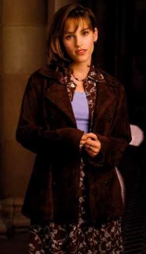 Amy Jo Johnson پیپر وال containing a فر, سمور کوٹ entitled Amy Jo Johnson Julie Emrick