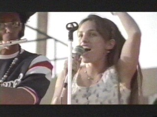 Amy Jo Johnson achtergrond entitled Amy Jo Johnson Nanci Nevins