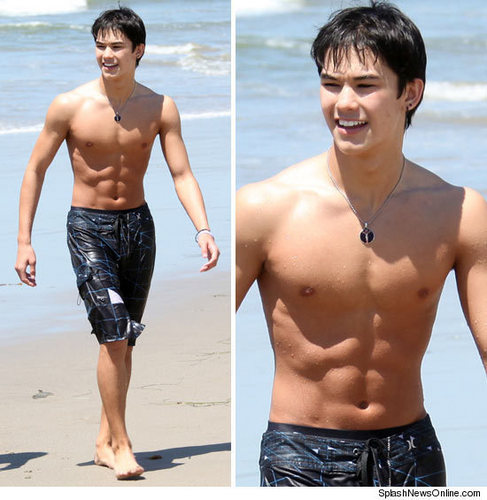 BOOBOO STEWART'S BEACH BODY - boo-boo-stewart Photo