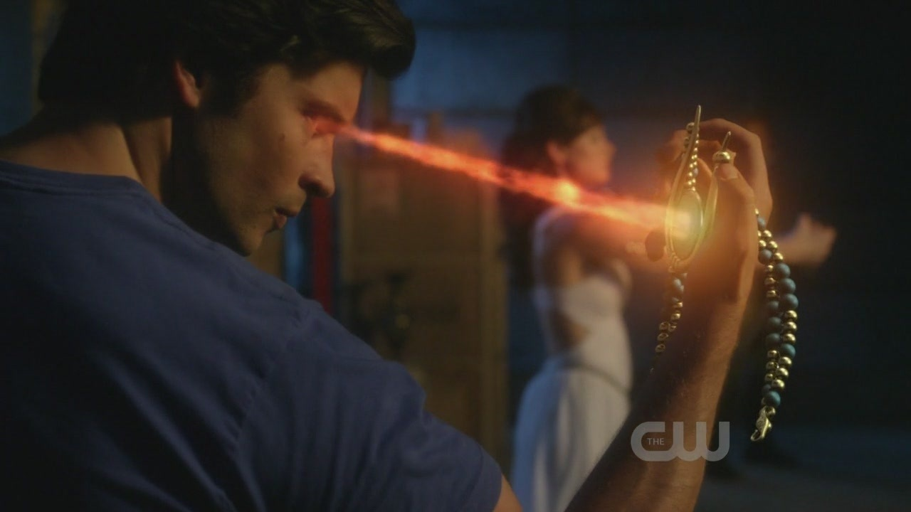 when does clark and lois start dating in smallville From the moment lois was introduced in smallville's fourth season it seems like the perfect time to start something subtle between clark and lois.