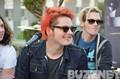 Gerard Way is Smiling!!!
