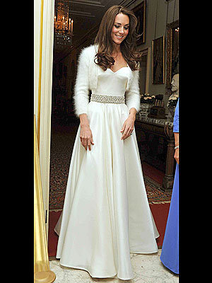 Kate Middleton's 2nd Alexander McQueen wedding 袍, 礼服