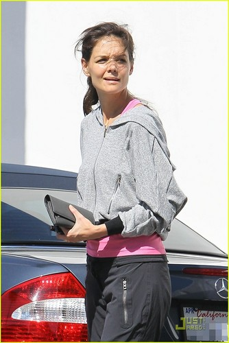 Katie Holmes: Gym and a Treat!