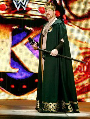 King-Sheamus-sheamus-21536154-295-388.jp