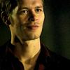 Información de los personajes cannon {The Vampire Diaries} Klaus-klaus-21599868-100-100