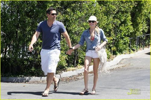 LeAnn Rimes & Eddie Cibrian: Hand Holding Newlyweds!
