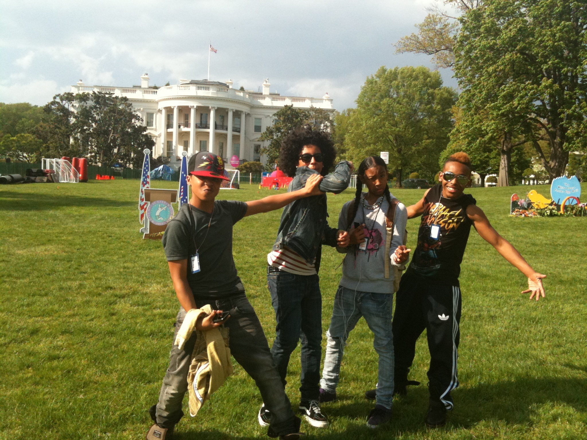 Mindless behavior rehearsing for The princeton house