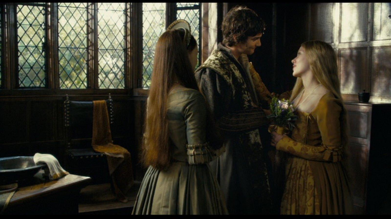 Scarlett johansson mary s yellow brocade wedding dress