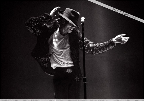The Bad Era achtergrond probably containing a concert titled Michael Jackson Bad Era and Tour