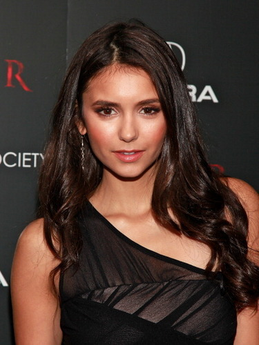 "lebih foto of Nina at The Cinema Society & Acura's Screening Of ""Thor"" [28/04/11]!"