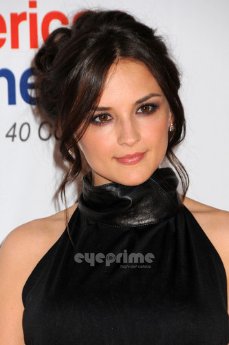 Rachael Leigh Cook at Race To Erase MS Event in L.A, Apr 29 - rachael-leigh-cook Photo