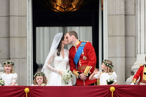 Royal Kiss on the Balcony