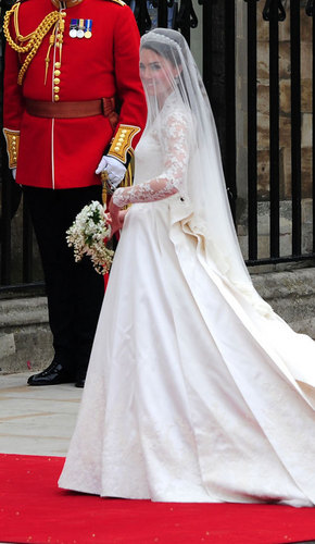 Prinz William und Kate Middleton Hintergrund probably containing a bridesmaid entitled Royal Wedding: William and Kate
