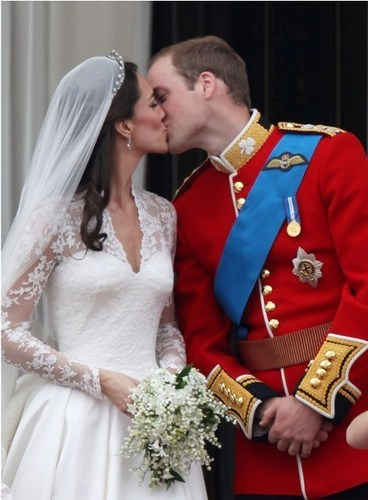 Prince William and Kate Middleton wallpaper possibly with a full dress uniform, a bearskin, and regimentals called Royal Wedding: William and Kate