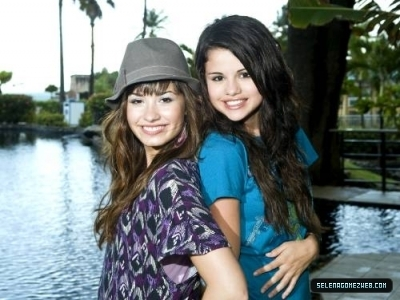 selena gomez in barney episodes. selena gomez and demi lovato
