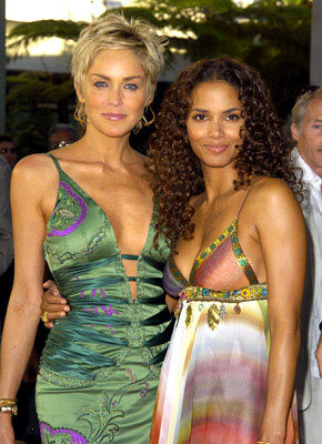 Sharon Stone And Halle Berry Catwoman The Movie Foto