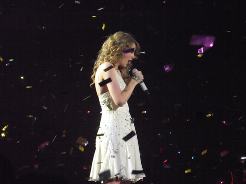 Speak Now World Tour: Manchester, England [March 29th, 2011]