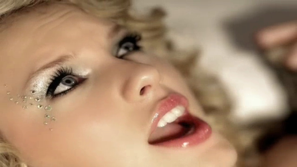 Taylor Swift - Teardrops On My Guitar [Music Video ...
