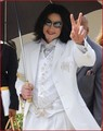 The Trial - September, 2004 - michael-jackson photo