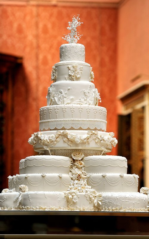 Incredible William and Kate's Wedding Cake 500 x 800 · 77 kB · jpeg