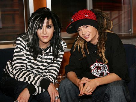 Tom & Bill Kaulitz 壁纸 probably containing a 街, 街道 titled Tom&Bill':-**